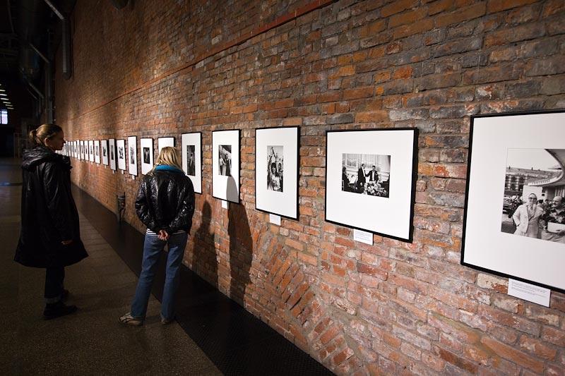 Организация фотовыставок